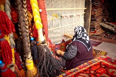 rug weaving on loom